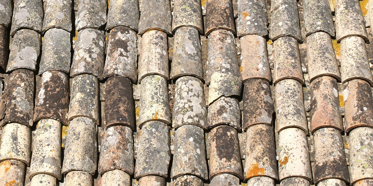 Historische Dachziegelfläche
