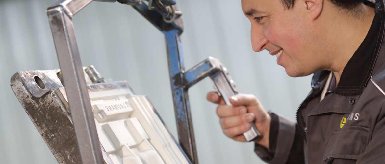 Dachziegelherstellung - Formengießerei