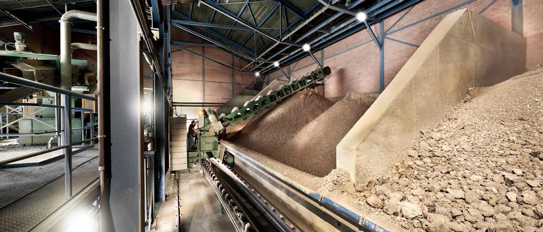 Dachziegelherstellung -Laumans Dachziegel Tonaufbereitung